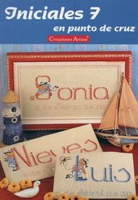 http://www.artmanuais.com.br/revistas/cuadros_ponto_cruz/iniciales.n7.jpg